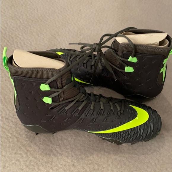 Nike Shoes   Nike Oregon Ducks Football